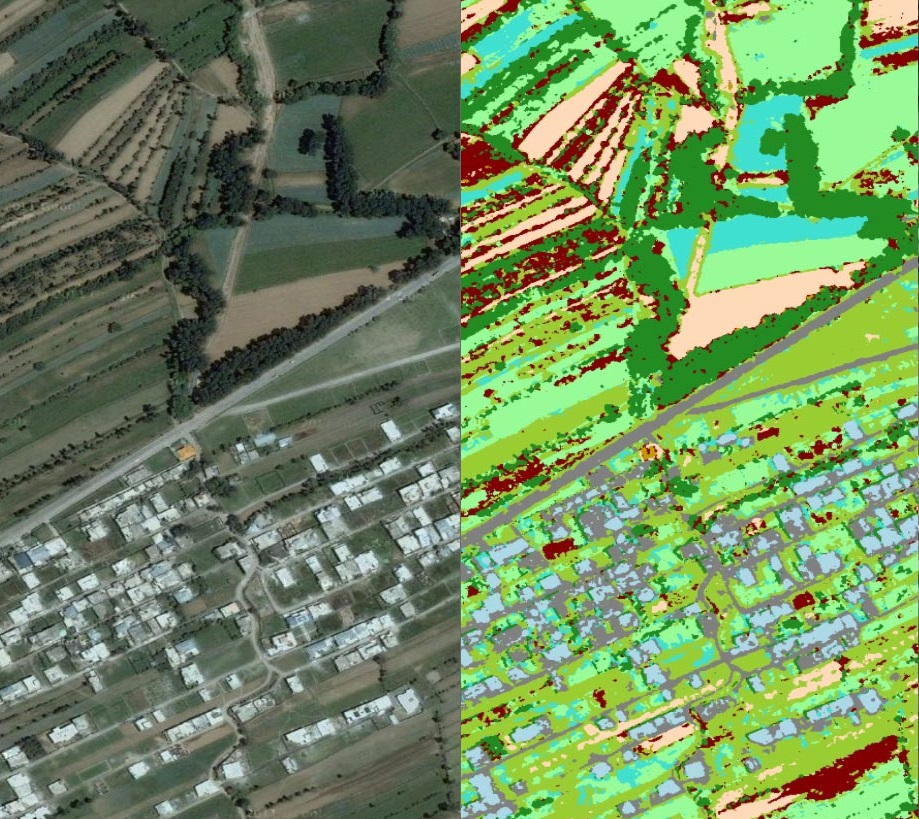 Comparison between satellite imagery and MaterialMAP overlay